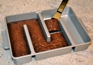 With the Edges Only brownie pan, every piece has a nice crispy, chewy edge. (Click image for source.)