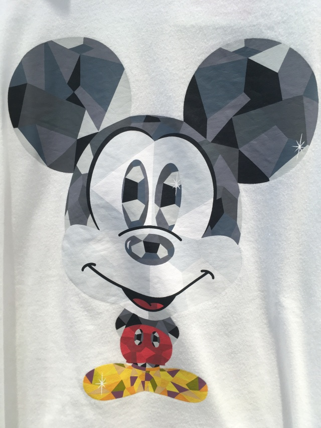 Facets are everywhere, even on this recently spied t-shirt of Mickey Mouse.